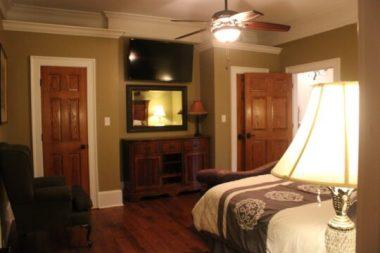 rental_houses_white_house_image17-540x360