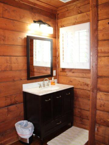 rental_houses_white_house_image52-360x480